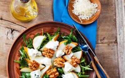 Rezept für einen Birnen Gorgonzola Salat mit ätherischem Basilikum Öl
